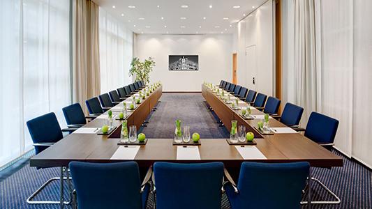 Elegir la mejor mesa de reuniones para tu sala de juntas: Ofisillas.es