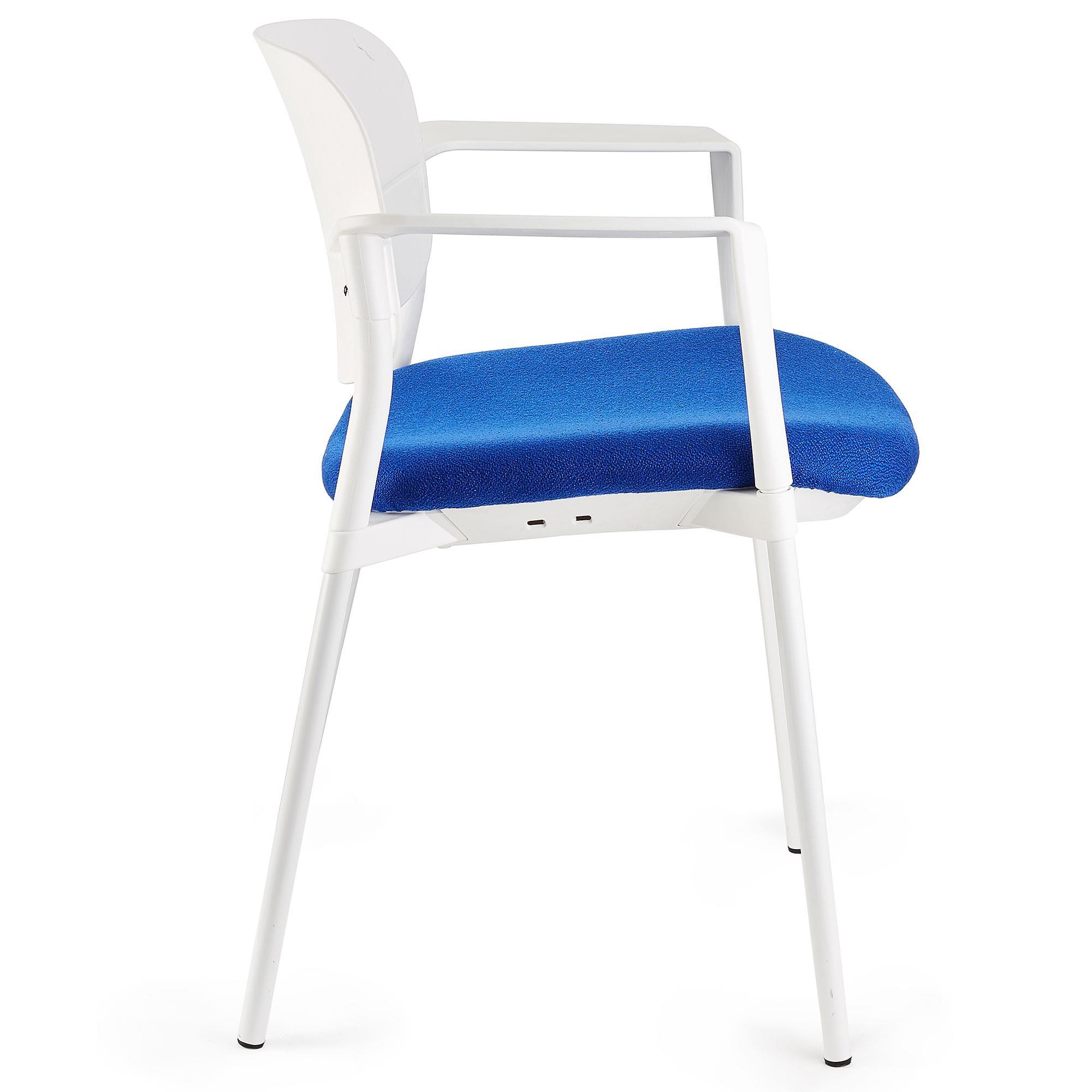 Silla de confidente eric en color azul silla de for Silla oficina comoda